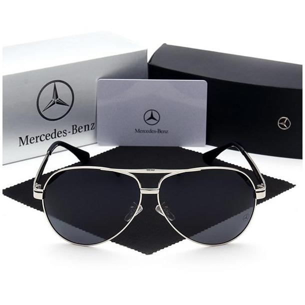 #S78 Lækker Mercedes solbrille med sort ramme, UV400 filter og polaroid-glas.