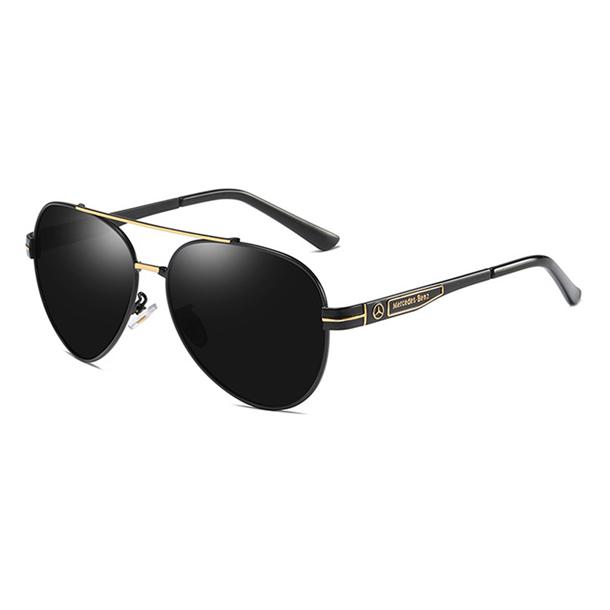 #S61 Lækker Mercedes solbrille med sort ramme, UV400 filter og polaroid-glas.