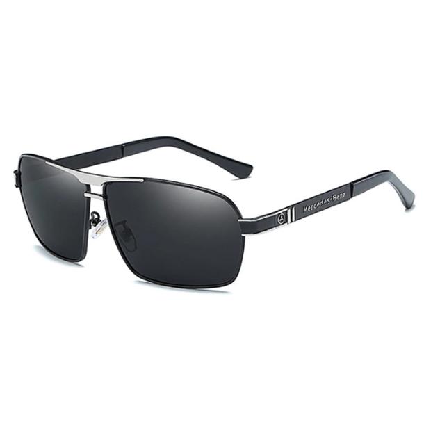 #S77 Lækker Mercedes solbrille med sort/sølv ramme, UV400 filter og polaroid-glas.