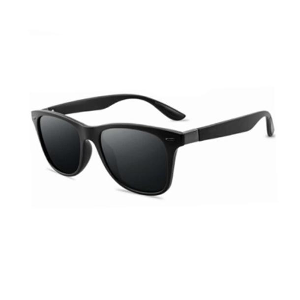 #S33 Lækker solbrille med sort stel - Polaroid glas